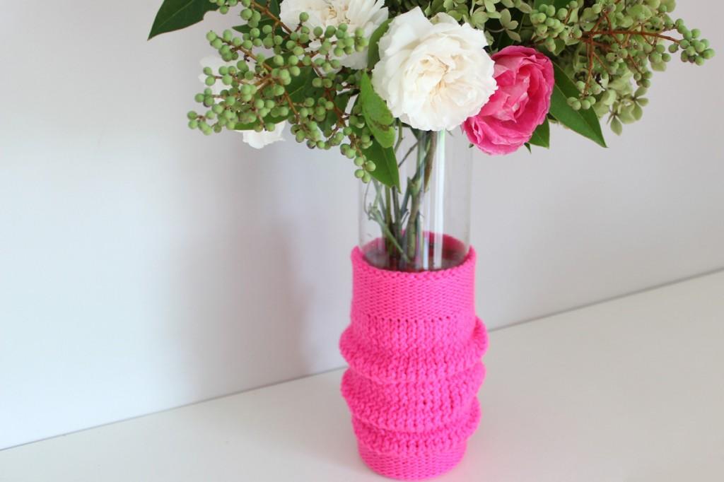 DIY relooker un vase avec du tricot
