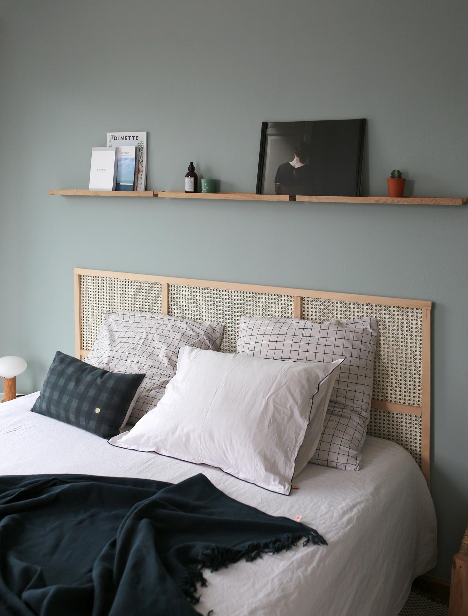 Comment Customiser Une Lampe De Chevet diy: une tête de lit en cannage